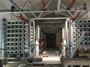 Renseanlegget er under montering i hovedetasjen i bygget