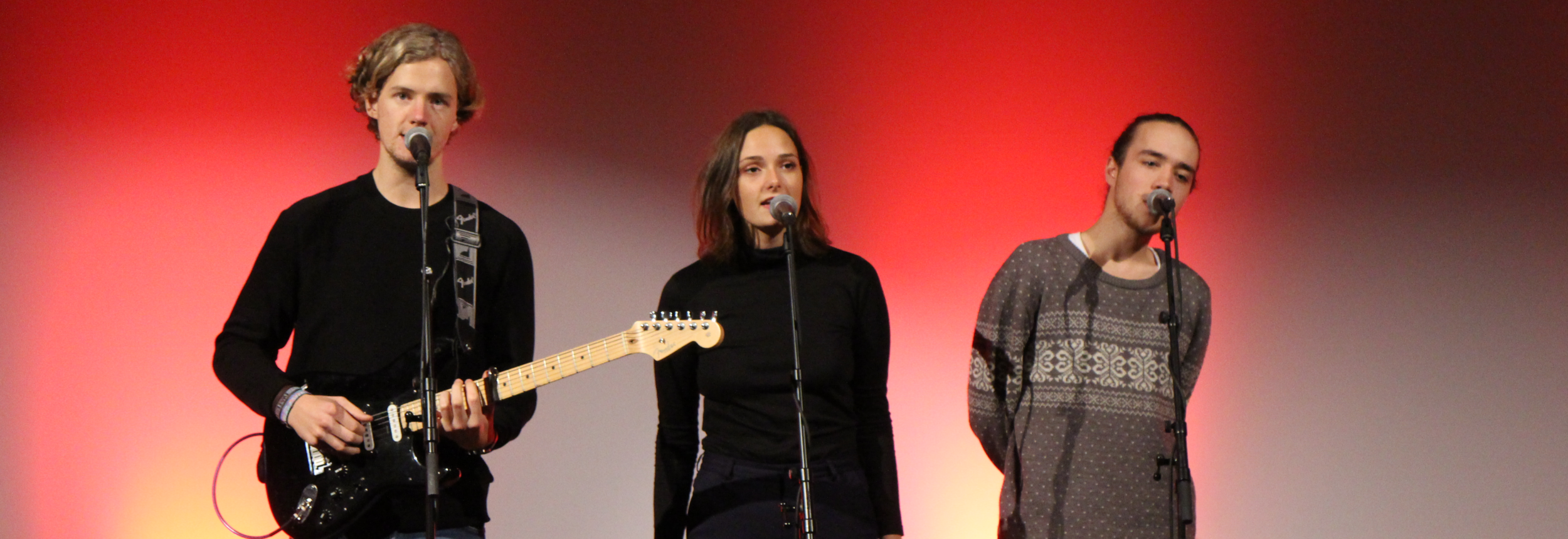 Temporary med hitterværingen Jonas Peitersen på gitar